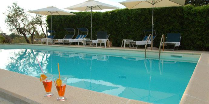swimming pool farmhouse rome sacrofano